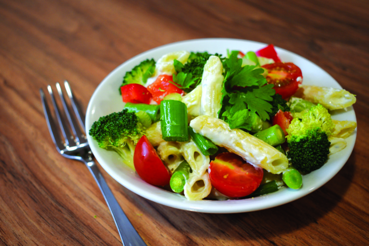 CREAMY HERB PASTA WITH VEGETABLES
